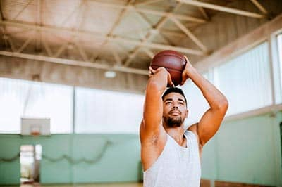 lanzamiento baloncesto juego del 21